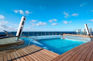 la piscina della nave da crociera Msc divina
